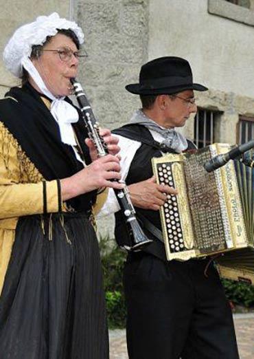 Musique et danses traditionnelles savoyardes rassemblement for Haute musique